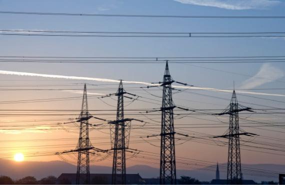 Taryfy prądu – czym się różnią, jak wybrać odpowiednią dla siebie